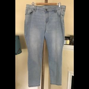 Old Navy Super Skinny Mid Rise Stretch Jeans 18